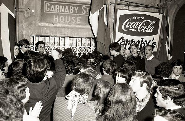 Mary Quant - Fashion Designer「Press conference with fashion designer Mary Quant at 'Carnaby street House' in Via Margutta, Rome 1967」:写真・画像(7)[壁紙.com]