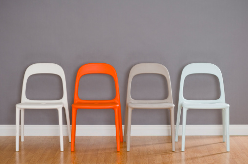 Four Objects「Four Modern Plastic Chairs」:スマホ壁紙(3)