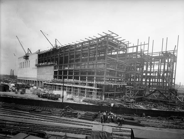 Giles「Building Battersea」:写真・画像(17)[壁紙.com]