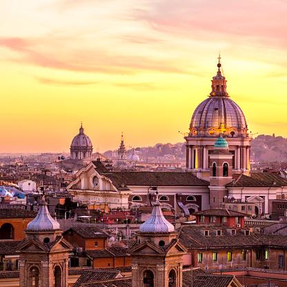 Saturated Color「Rome skyline with church cupolas, Italy」:スマホ壁紙(14)