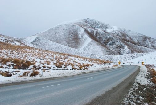 Snowdrift「Snowy Day on Lindis Pass, Otago Region, NZ」:スマホ壁紙(6)