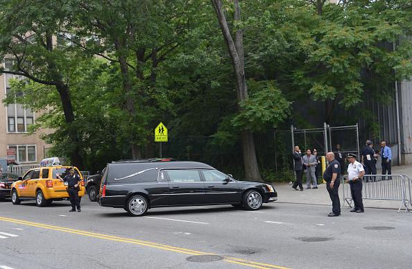 Land Vehicle「Funeral For Actor James Gandolfini」:写真・画像(4)[壁紙.com]