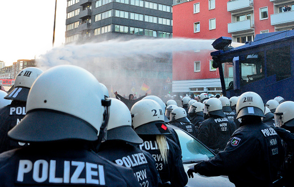 North Rhine Westphalia「Right-Wing Groups Rally Following Cologne Sex Attacks」:写真・画像(14)[壁紙.com]