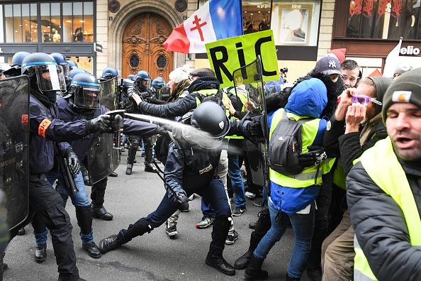 Jeff J Mitchell「'Yellow Vests' Return Despite Macron's Concessions」:写真・画像(8)[壁紙.com]