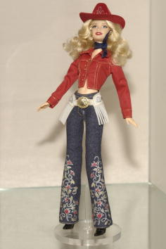 Old-fashioned「Mattel Inc. Shows Barbies In Fashion AT Toy Show」:写真・画像(12)[壁紙.com]