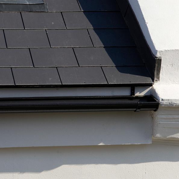 Sunny「Guttering on roof of Victorian house」:写真・画像(13)[壁紙.com]