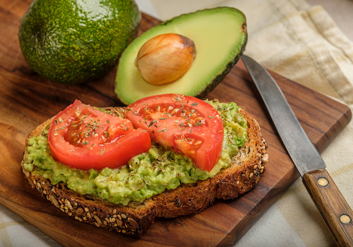 Tomato「Avocado and tomato on toast」:スマホ壁紙(7)