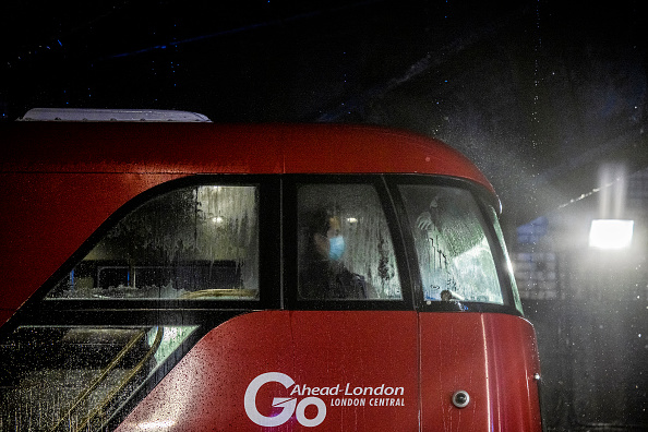 Pouring「Government Plans To Increase TFL Fares To Cover Covid Shortfall」:写真・画像(12)[壁紙.com]