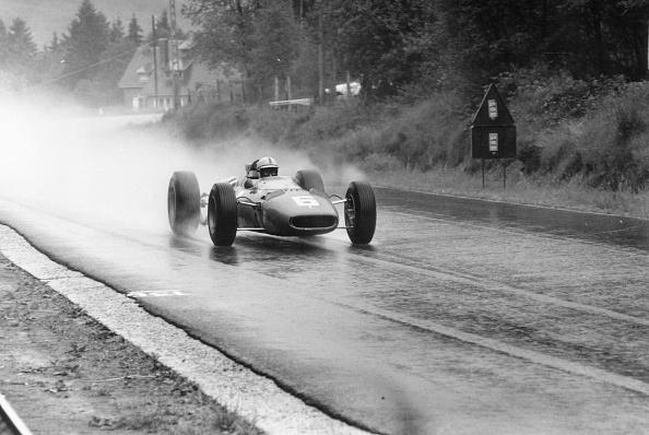 Victor Blackman「Rainy Grand Prix」:写真・画像(0)[壁紙.com]