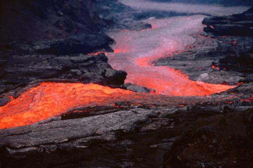 Active Volcano「USA, Hawaii, Kilauea, lava flow from Kilauea volcano」:スマホ壁紙(19)