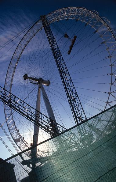Vitality「London Eye, The Millennium Wheel under construction, central London, UK」:写真・画像(19)[壁紙.com]
