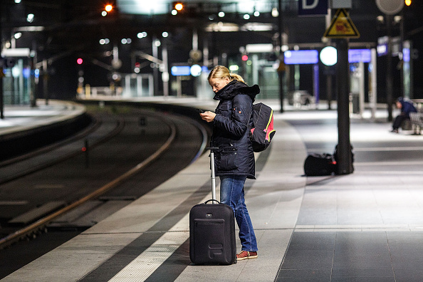 Waiting「Germany Hit By Four-Day Rail Strike」:写真・画像(16)[壁紙.com]