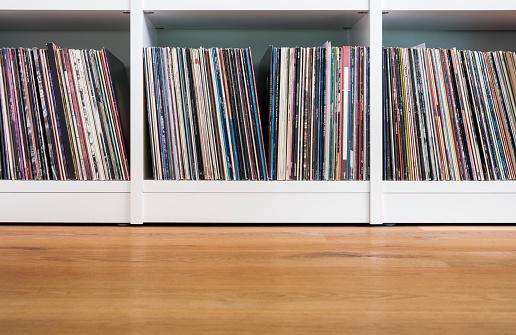 Shelf「Records in shelf」:スマホ壁紙(15)