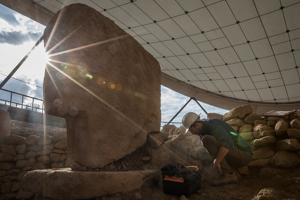 Archaeology「Tourists Visit Site Of The World's Oldest Structures At Gobekli Tepe」:写真・画像(11)[壁紙.com]