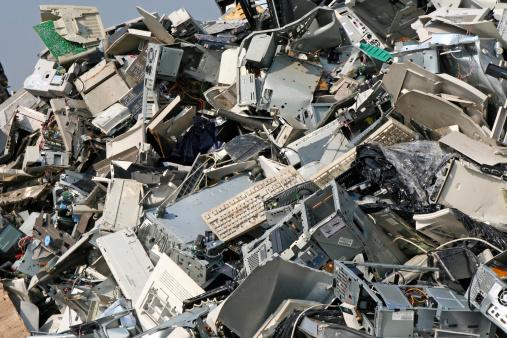 E-Waste「Computer, metal and iron dump # 11」:スマホ壁紙(11)