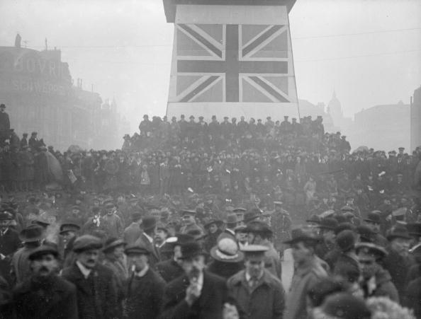Trafalgar Square「London Loan Rally」:写真・画像(9)[壁紙.com]