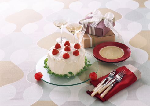 Party - Social Event「Cake and Present」:スマホ壁紙(8)