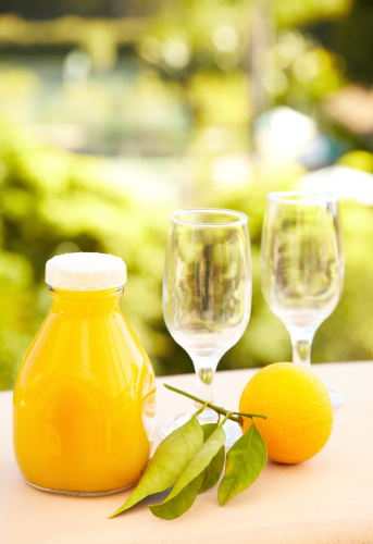 Organic「Orange juice served early morning against nature background」:スマホ壁紙(7)