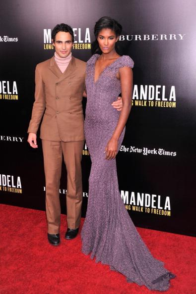 "Black Shoe「""Mandela: Long Walk To Freedom"" Screening Hosted By U2, Anna Wintour, Bob And Harvey Weinstein With Burberry」:写真・画像(11)[壁紙.com]"