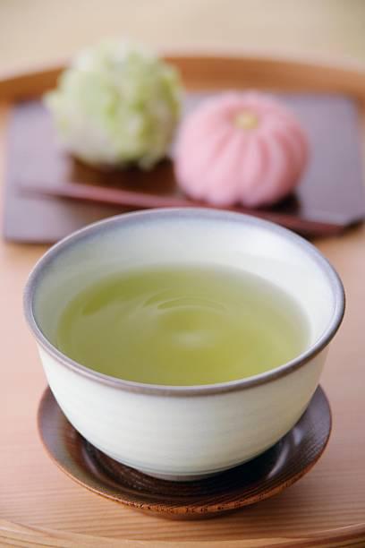 A cup of green tea and sweets:スマホ壁紙(壁紙.com)