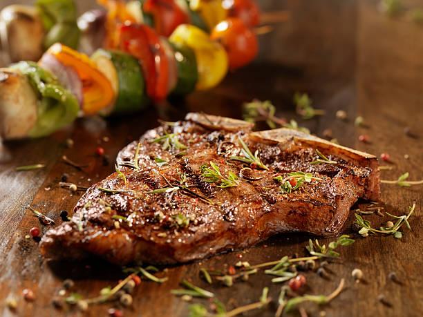 Porterhouse Steak with Fresh Herbs:スマホ壁紙(壁紙.com)