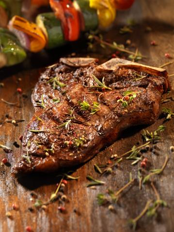 Porterhouse Steak「Porterhouse Steak with Fresh Herbs」:スマホ壁紙(9)