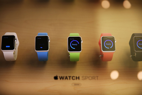 Apple Watch「Apple Previews Its New iWatch」:写真・画像(11)[壁紙.com]