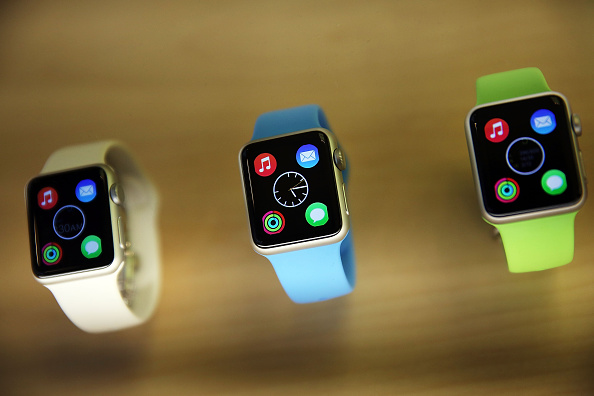 Apple Watch「Apple Previews Its New iWatch」:写真・画像(4)[壁紙.com]