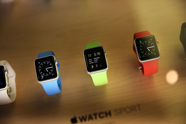 Apple Watch「Apple Previews Its New iWatch」:写真・画像(7)[壁紙.com]