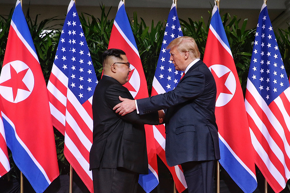 Kim Jong-Un「U.S. President Trump Meets North Korean Leader Kim Jong-un During Landmark Summit In Singapore」:写真・画像(9)[壁紙.com]