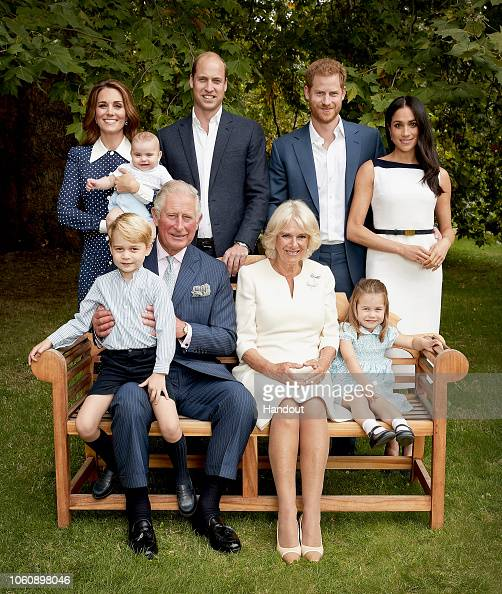 Prince George of Cambridge「HRH The Prince of Wales Birthday Family Portrait」:写真・画像(2)[壁紙.com]