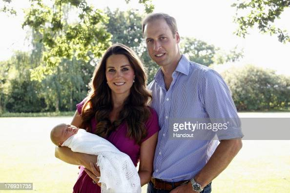 Prince - Royal Person「The Duke and Duchess of Cambridge With Their Son Prince George Alexander Louis of Cambridge In Bucklebury」:写真・画像(9)[壁紙.com]