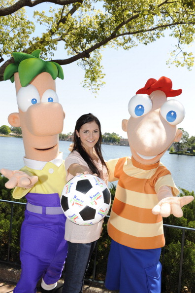 Epcot「Alyson Stoner At Disney World」:写真・画像(13)[壁紙.com]