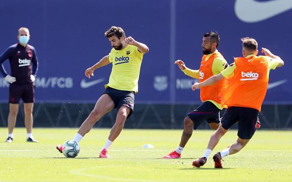 Arturo Vidal「Barcelona Players Return To Training Following Coronavirus Lockdown」:写真・画像(9)[壁紙.com]