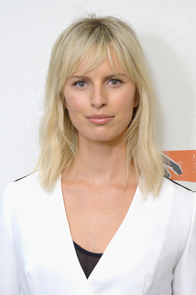 Karolina Kurkova「Hand in Hand: A Benefit for Hurricane Relief - New York - Press Room」:写真・画像(16)[壁紙.com]