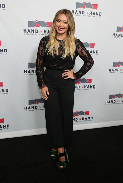 Hilary Duff「Hand in Hand: A Benefit for Hurricane Relief - Los Angeles - Press Room」:写真・画像(4)[壁紙.com]