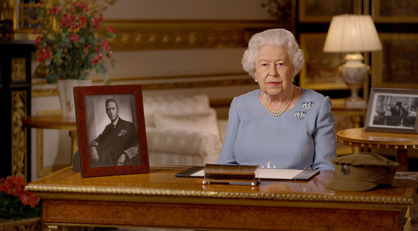 Portrait「Queen Elizabeth II Addresses The Nation On The 75th Anniversary Of VE Day」:写真・画像(14)[壁紙.com]