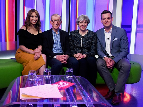 Presenter「Theresa May And Her Husband Appear On BBC's The One Show」:写真・画像(19)[壁紙.com]