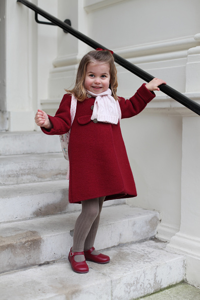 Red Coat「Princess Charlotte Starts Nursery School」:写真・画像(1)[壁紙.com]