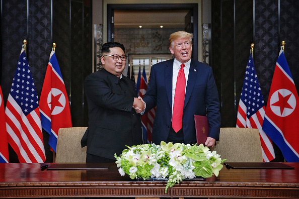 Kim Jong-Un「U.S. President Trump Meets North Korean Leader Kim Jong-un During Landmark Summit In Singapore」:写真・画像(1)[壁紙.com]