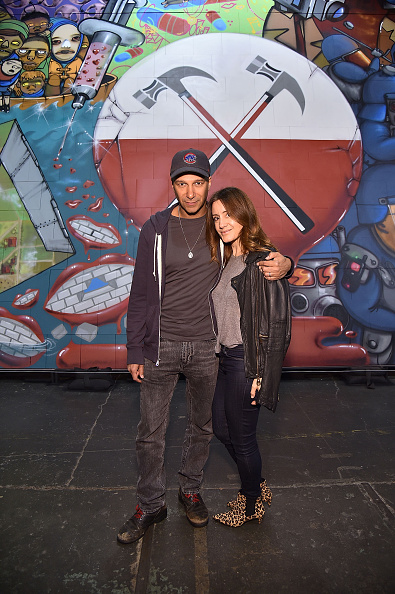 "Sparse「In celebration Of The Release Of The Limited Edition Box Set Of The Film ""Roger Waters The Wall"", Roger Waters Hosts Los Angeles Event For Brazilian Artists Osgemeos' Interpretation Of ""The Wall""」:写真・画像(16)[壁紙.com]"