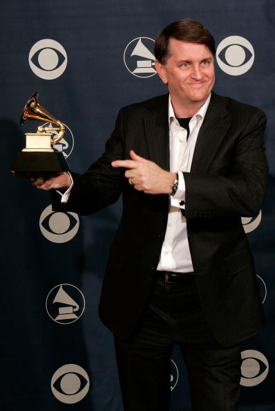 Fully Unbuttoned「48th Annual Grammy Awards - Press Room」:写真・画像(14)[壁紙.com]