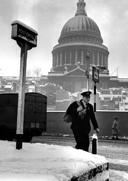 Snow「London Postie」:写真・画像(4)[壁紙.com]