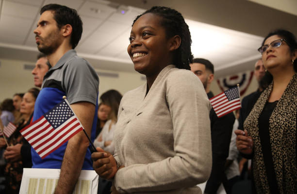 Immigrants To U.S. Become Citizens During Naturalization Ceremony:ニュース(壁紙.com)