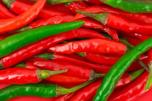 Pepper - Seasoning「Heap of green and red hot chili pepper」:スマホ壁紙(0)
