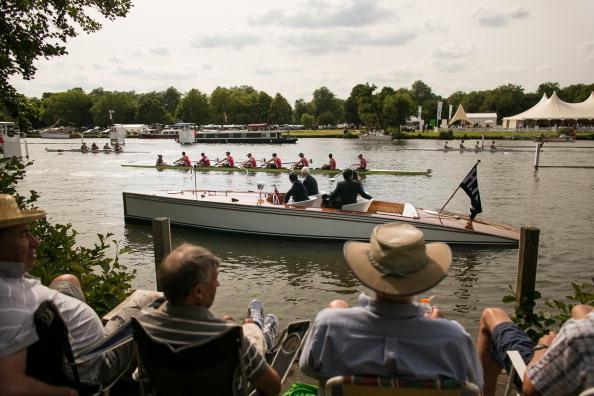 ヘンリーロイヤルレガッタ「Spectators Enjoy The Start Of The Henley Royal Regatta」:写真・画像(18)[壁紙.com]
