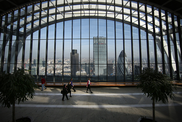 122 Leadenhall Street「Visitors To The Sky Garden At The Top Of London's Newest Skyscraper」:写真・画像(1)[壁紙.com]