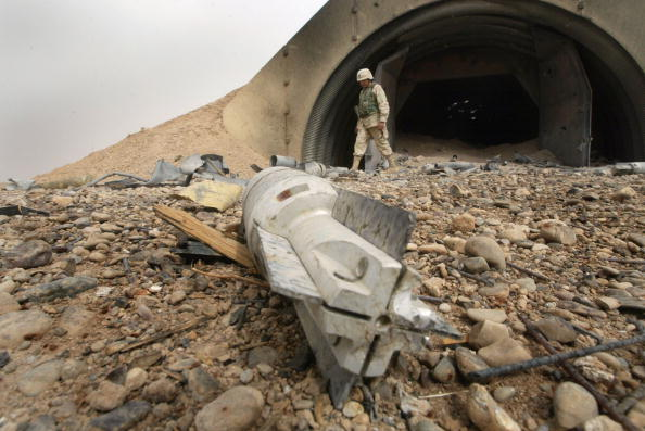 Sand Trap「U.S. Army Raids Iraqi Town South Of Tikrit」:写真・画像(2)[壁紙.com]