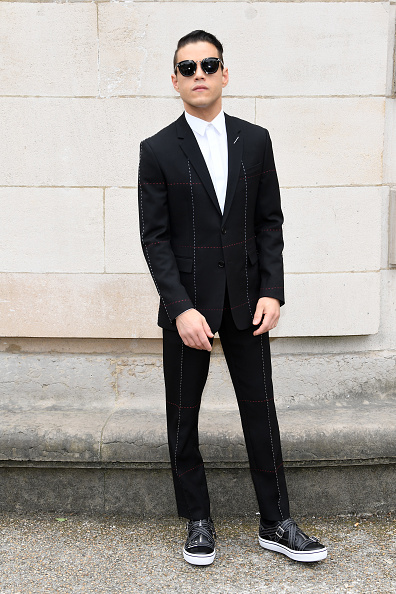 カメラ目線「Dior Homme : Front Row  - Paris Fashion Week - Menswear Spring/Summer 2018」:写真・画像(18)[壁紙.com]