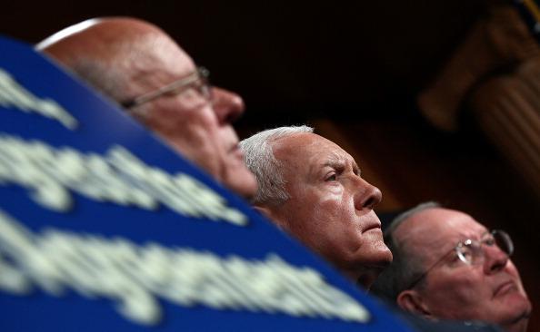 Win McNamee「Senate Republicans Speak To Media Ahead Of Obama's Job Address」:写真・画像(6)[壁紙.com]